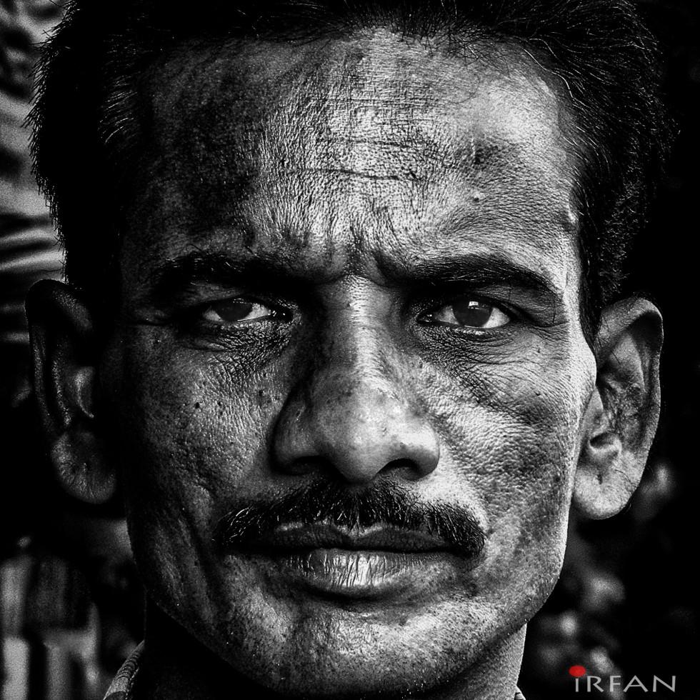 mountguy again cropped street chennai portrait