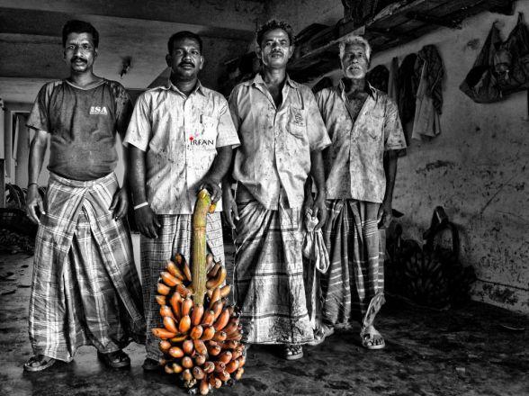 banana merchants, black and white, portraits, irfan hussain, thereddotman, irfan, hussain