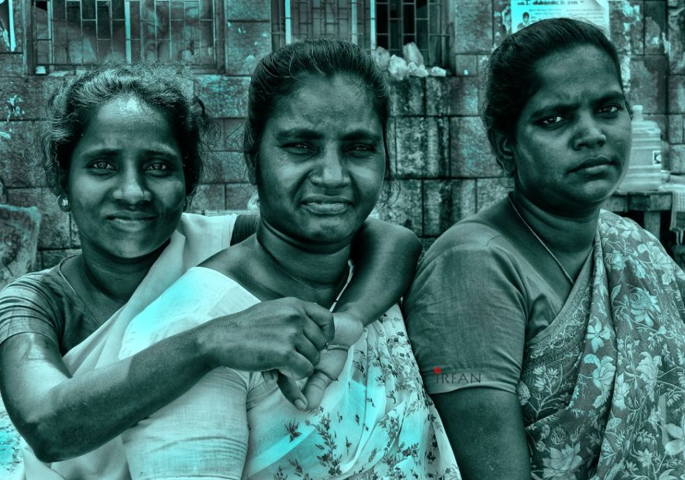 flower ladies, street photography, black and white, portraits, irfan hussain, thereddotman, irfan, hussain