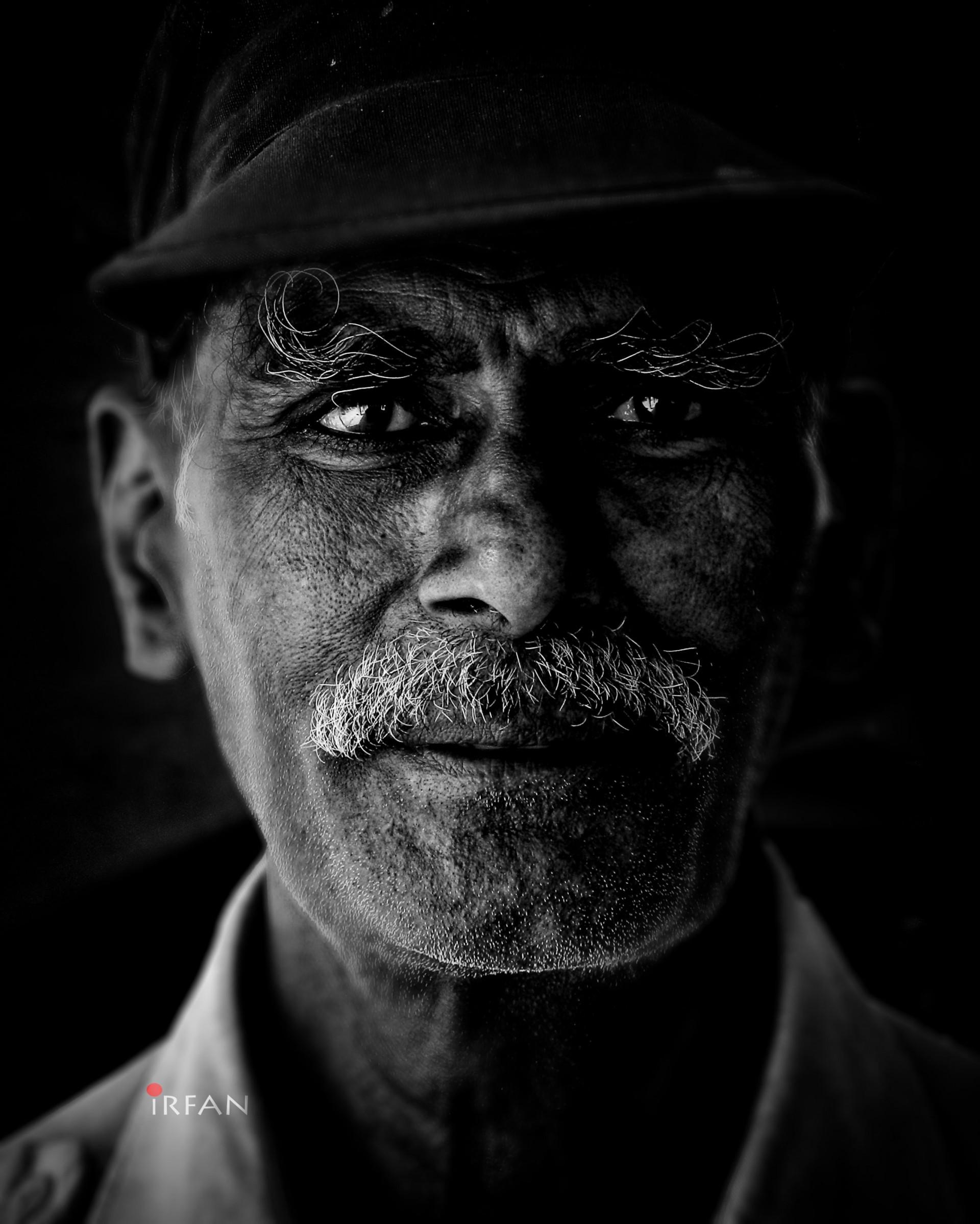 watch man, black and white, portraits, irfan hussain, thereddotman, irfan, hussain