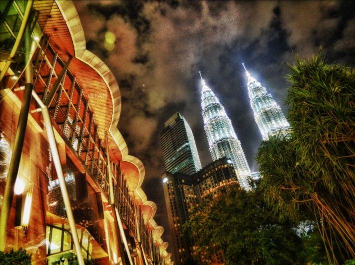 petronas towers, petronas, sky, night, irfan, hussain, thereddotman, the red dot man., HDR, High dynamic range, Nikon L120, Nik HDR EFEX, malaysia, kuala lumpur