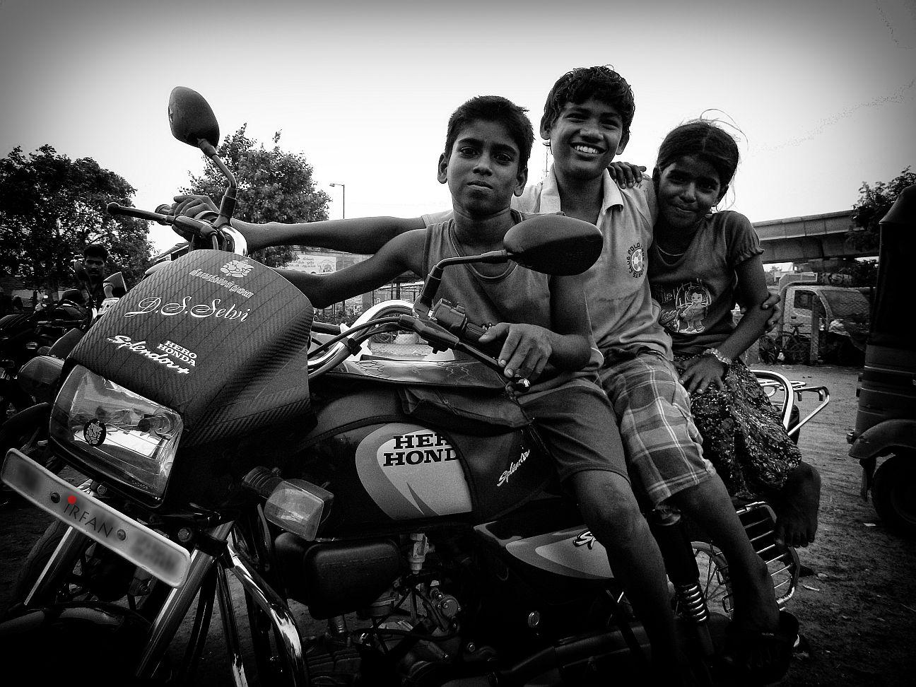 kids on bike wordpress