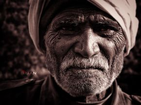 trekking guide old man wordpress