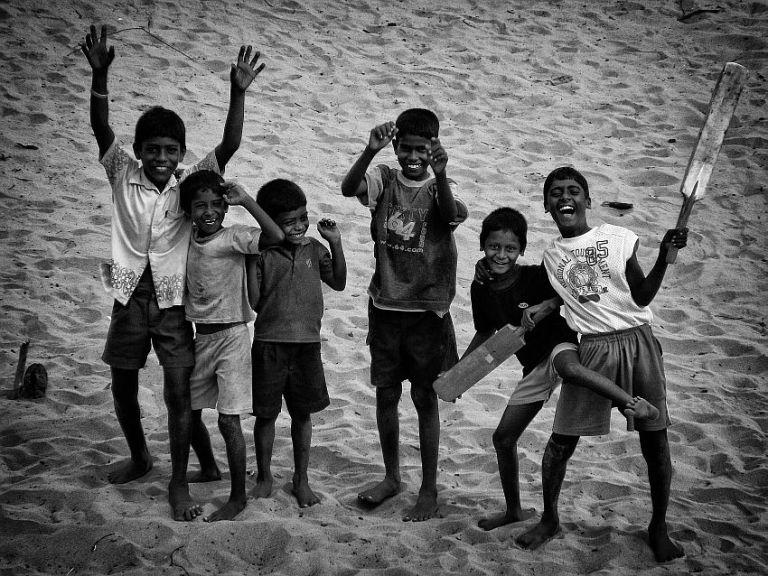 kids playing cricket alamparai fort wordpress