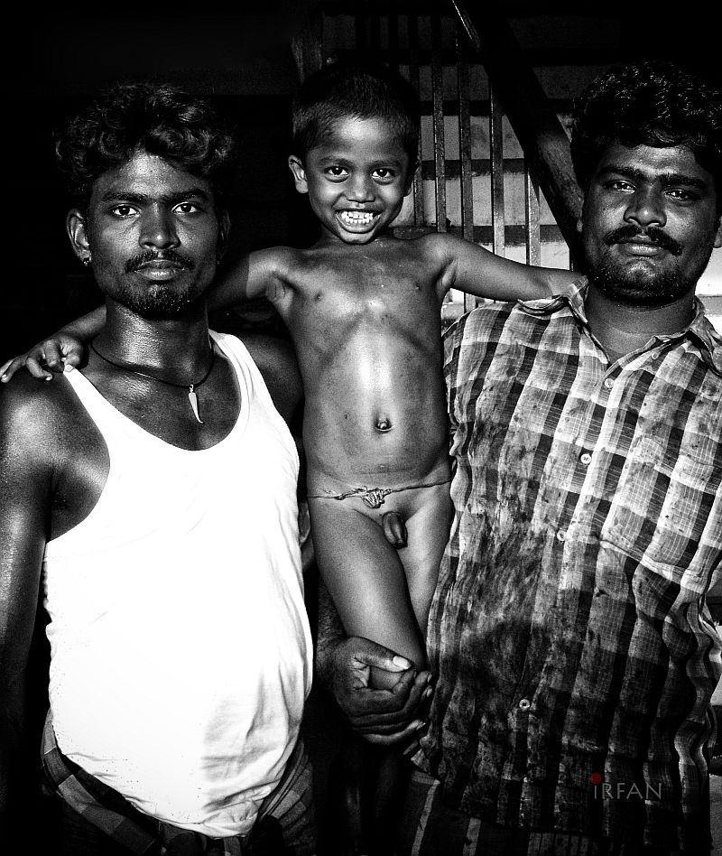 naked street kid, black and white, portraits, irfan hussain, thereddotman, irfan, hussain