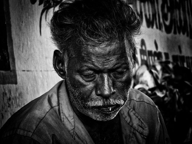 indian poverty old man under bridge home less 3 wordpress