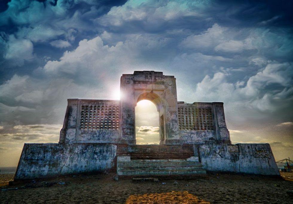 karl schmidt memorial. besant nagar beach, irfan, hussain, thereddotman, the red dot man., HDR, High dynamic range, Nikon L120, Nik HDR EFEX