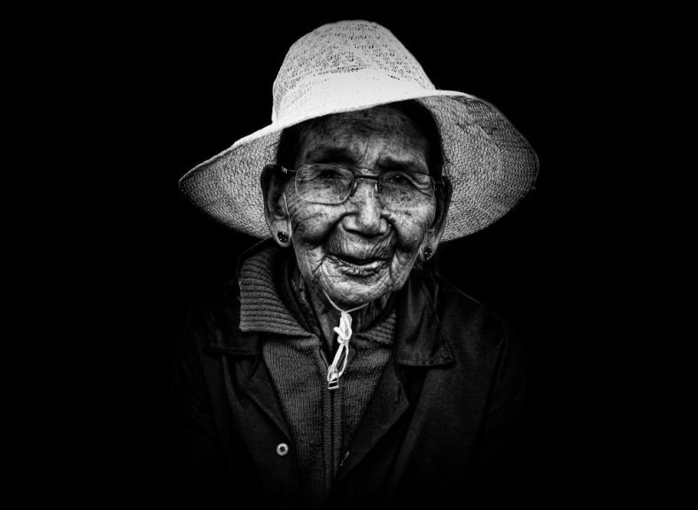 bylakuppe, buddhist monastery, old woman, black and white, portraits, irfan hussain, thereddotman, irfan, hussain