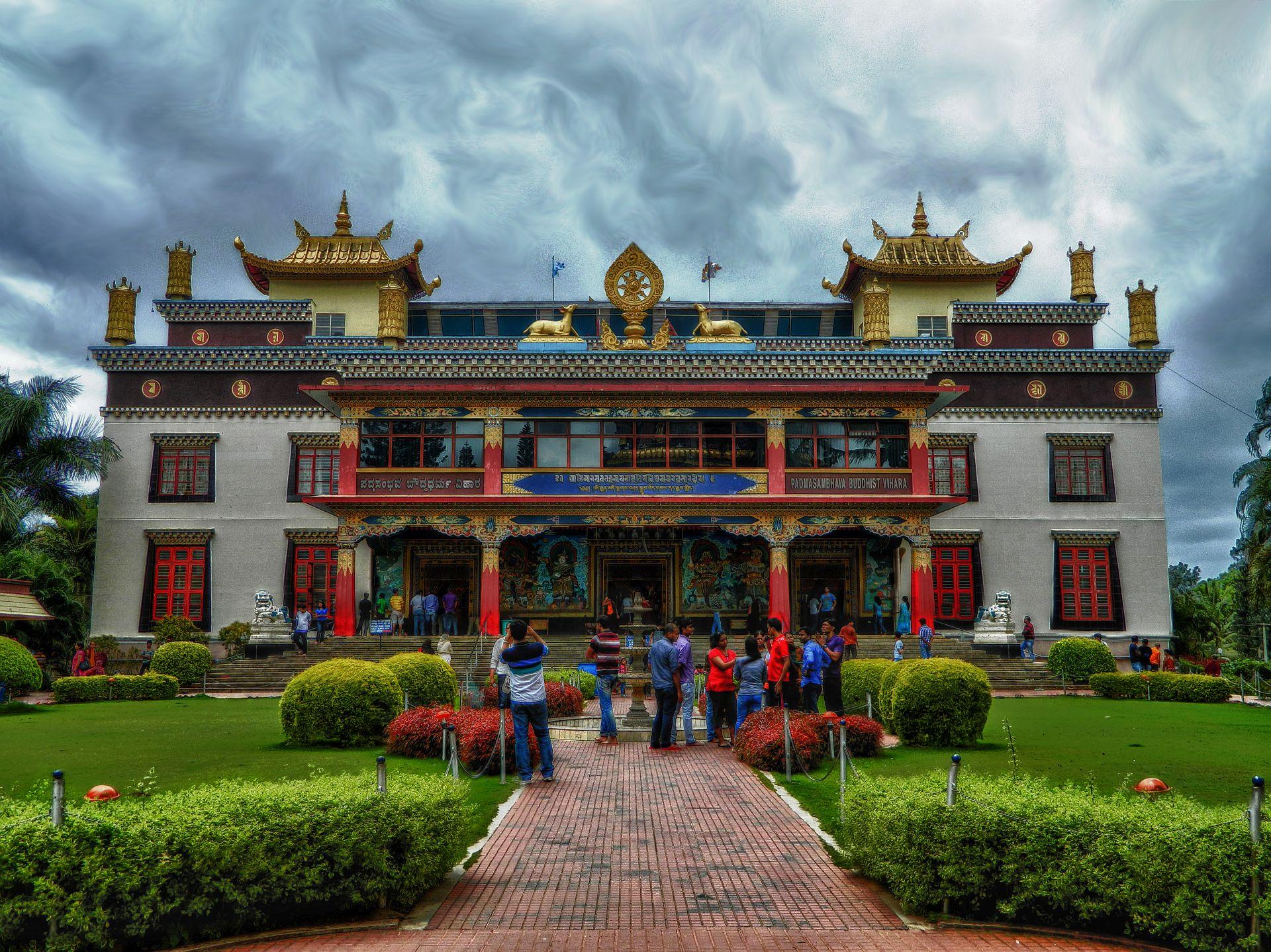bylakuppe, buddhist monastery, irfan, hussain, thereddotman, the red dot man., HDR, High dynamic range, Nikon L120, Nik HDR EFEX