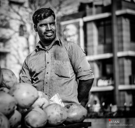Coconut seller, besant nagar, beach, black and white, portraits, irfan hussain, thereddotman, irfan, hussain