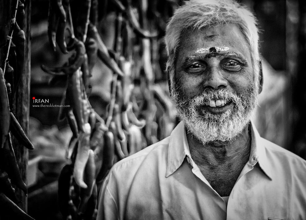 bajji wala, besant nagar, beach, black and white, portraits, irfan hussain, thereddotman, irfan, hussain