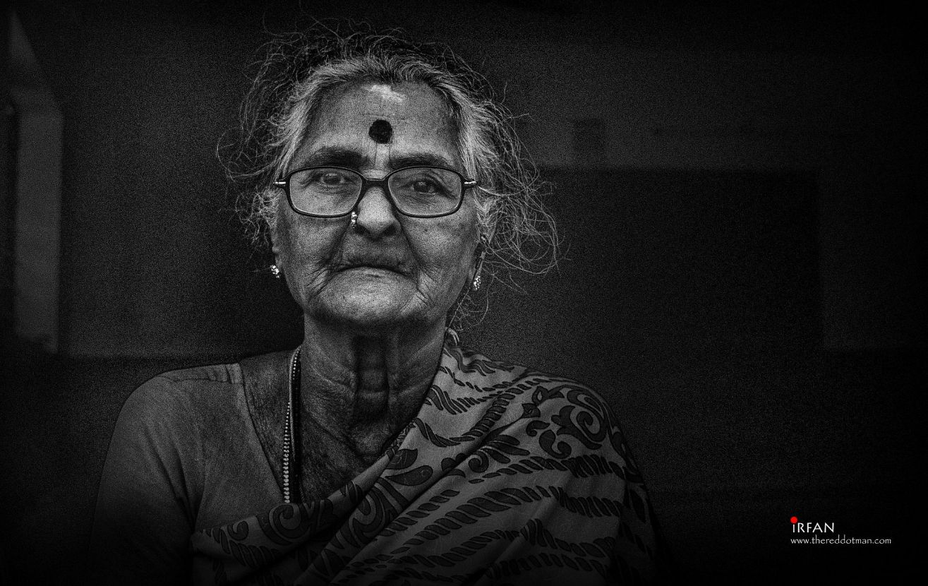 old lady, siragu, irfan, hussain, thereddotman, black and white, nik silver efex, nikon d3300