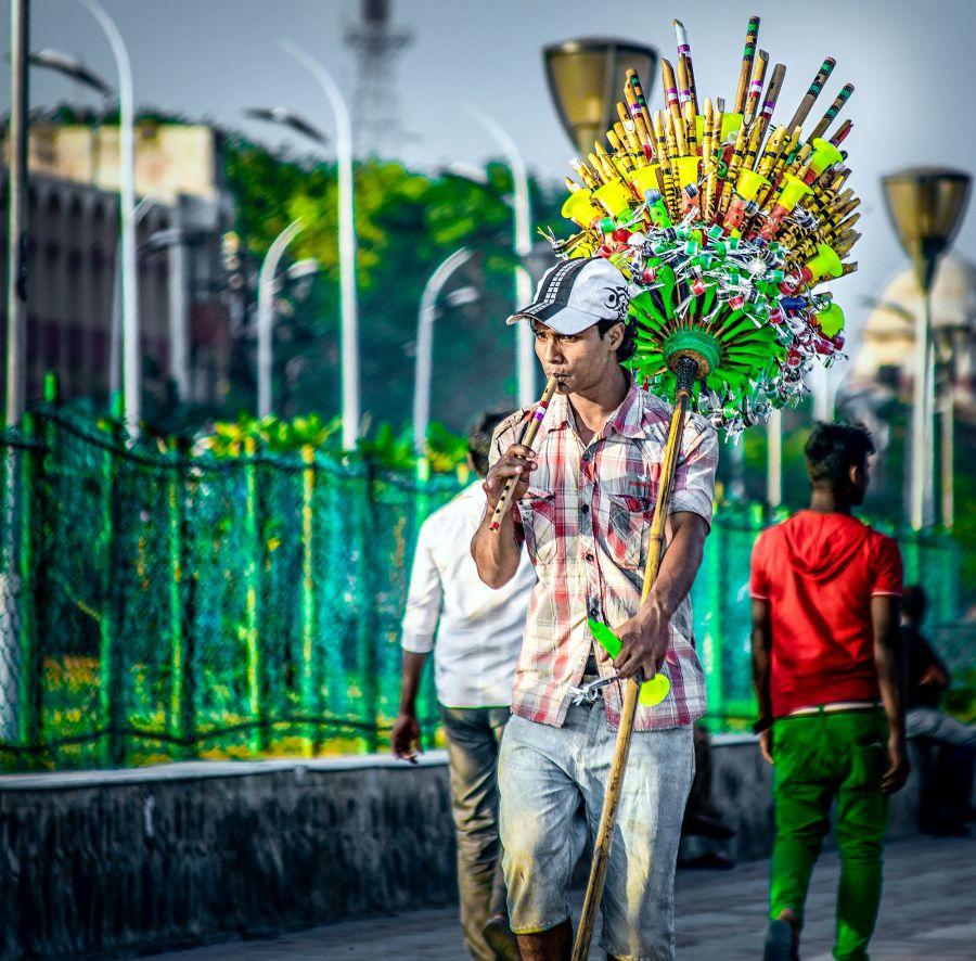 flute seller, beach, gandhi, marina, irfan hussain, thereddotman